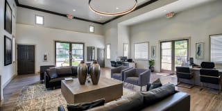 Laurel Canyon Apartment Homes Photo Gallery 1