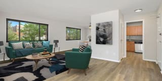 Earle Manor Apartments Photo Gallery 1