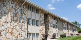 Stone Lodge Apartments Photo Gallery 1