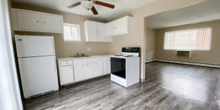 Evergreen Village Apartments & Townhomes Photo Gallery 1
