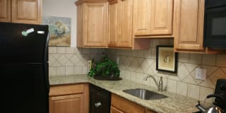 450 Green Apartments Photo Gallery 1