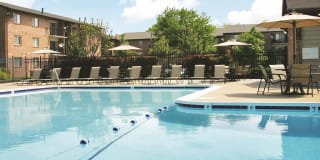 THE MANOR/THE MANOR EAST APARTMENTS Photo Gallery 1