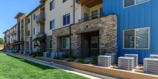 Overlook at Mesa Creek Apartments Photo Gallery 1