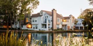 Schooner Bay Apartment Homes Photo Gallery 1
