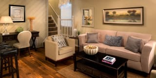 Roswell Creek Apartments Photo Gallery 1