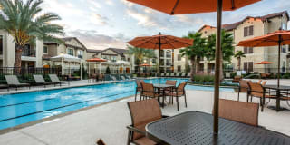 Rockstar Living at Valencia Place Apartments Photo Gallery 1