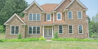 909 SUSSEX CT Photo Gallery 1