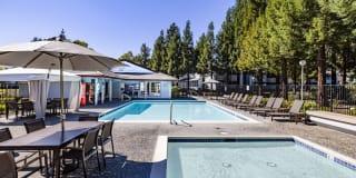 Country Brook Rental Condominiums Photo Gallery 1
