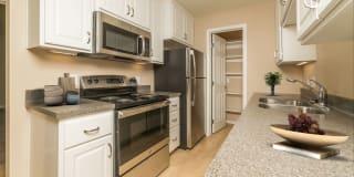 Golden Creek Apartments Photo Gallery 1