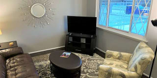 Flex-Lease/Furnished House with finished basement Photo Gallery 1