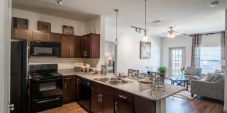 Crenshaw Grand Apartments Photo Gallery 1