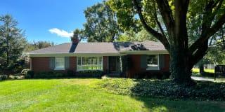 4492 Brownsboro Road Photo Gallery 1