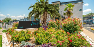 Alister Apartments Photo Gallery 1