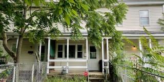 302 W Foundry St Photo Gallery 1