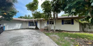521 Andrews Dr Photo Gallery 1