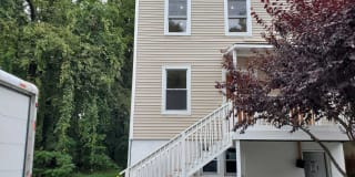 12 GIFFORD AVE APT 1 Photo Gallery 1