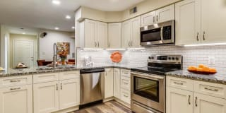 2241 LOVEDALE LANE Photo Gallery 1