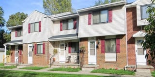 Parkway Manor Apartments Photo Gallery 1