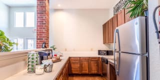 Oakbridge Apartment Homes Photo Gallery 1