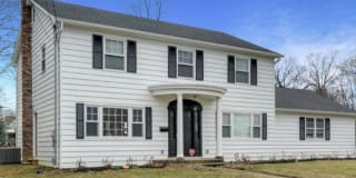 578 Monmouth Place Photo Gallery 1
