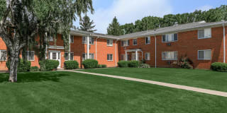 Greystone Apartments & Townhomes Photo Gallery 1