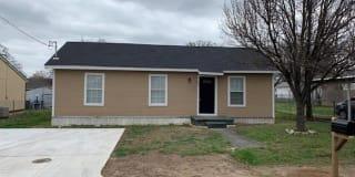 670 W Oak Photo Gallery 1