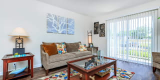 Chase Cove Apartments Photo Gallery 1