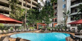 AO Santa Monica Apartments Photo Gallery 1