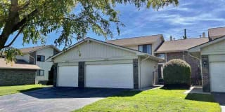 2957 Meadowbrook Dr Photo Gallery 1