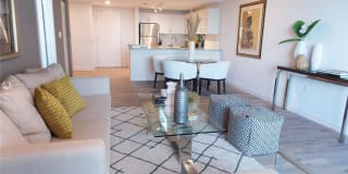 Hollywood East Luxury Apartments Photo Gallery 1