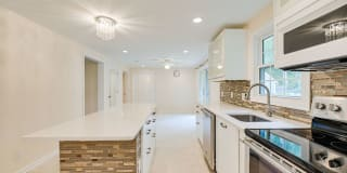 9104 Weant Dr. Photo Gallery 1