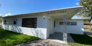 411 SW 22nd Ave Photo Gallery 1
