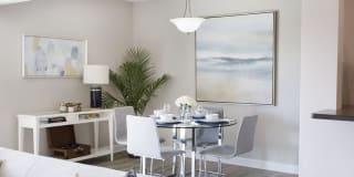 Glenlake Village Apartments Photo Gallery 1