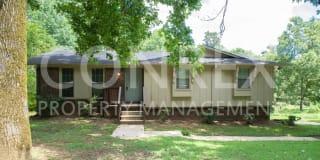 2501 Oak Leaf Drive Photo Gallery 1