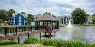 Lakeside Apartments Photo Gallery 1