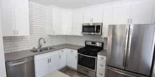 Newly Renovated 2 bedroom in Hawaiian Gardens with private back yard Photo Gallery 1