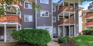 Runaway Bay Apartments Photo Gallery 1