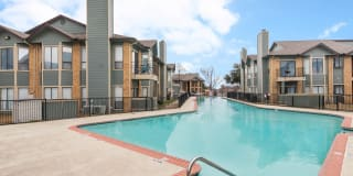 Lake Village West Apartments Photo Gallery 1