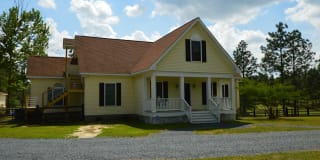712 Youngs Road Photo Gallery 1