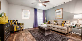 Silverbrook Apartment Homes Photo Gallery 1