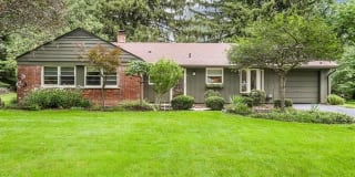 4076 CHESTNUT HILL Drive Photo Gallery 1
