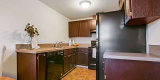 River View Apartments Photo Gallery 1