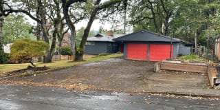 3353 NW Crest Drive Photo Gallery 1