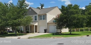 913 Robys Place Place Photo Gallery 1