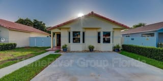 27905 SW 132nd Pl Photo Gallery 1