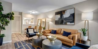 Heights at 4300 Apartments Photo Gallery 1