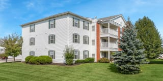 Parkwood Village Apartments Photo Gallery 1