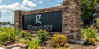 The Grand at 1501 - Plantation Oaks Photo Gallery 1