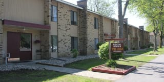 Tall Oaks Apartments Photo Gallery 1