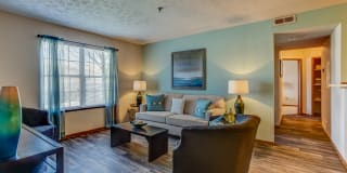 Lake Forest Apartments Photo Gallery 1